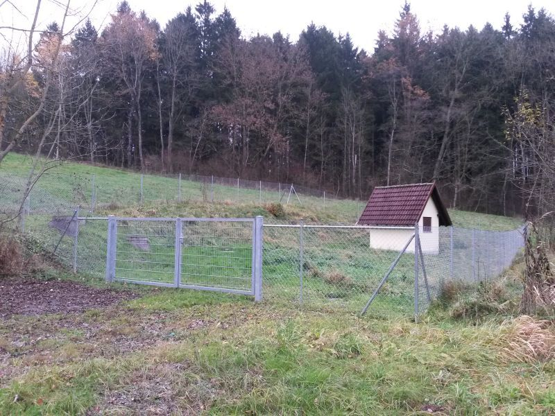 Maschendrahtzaun Holzpfosten Montageanleitung Maschendrahtzaun